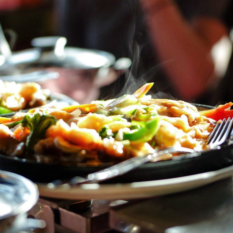 restaurant-JMQA7DJ.jpg
